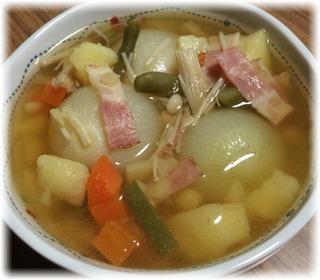 ミニ玉ねぎ丸ごとスープ