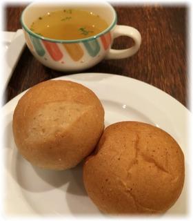 パンとスープをセット