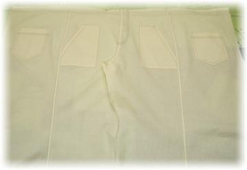 縫い代にダブルステッチして後ろ股上を縫う