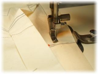 ウエスト縫い代を縫う