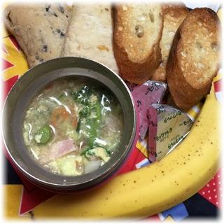 白菜とブロッコリーのコンソメスープ