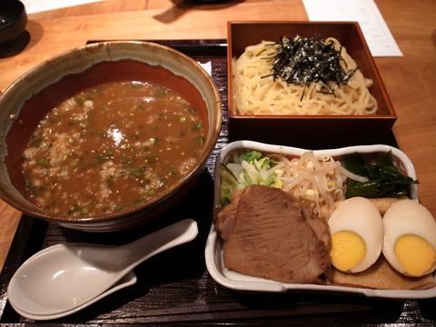 食幹 006