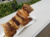 早速、朝御飯を…インドカレーヒマラヤの串類。