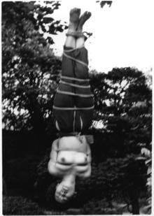 5野外逆さ吊り2梨花悠紀子