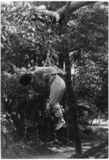 E65梨花野外の後ろ手宙吊り