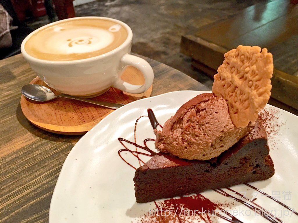 towa mowa cafe【錦糸町】 かわいいラテと生チョコケーキ : ミスター黒猫