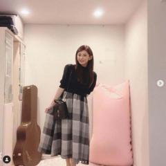 TOKIO城島の妻・菊池梨沙、写真にギター映り込み謝罪でネット困惑