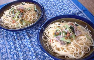 小松菜と黒豚の梅肉風味スパゲティ