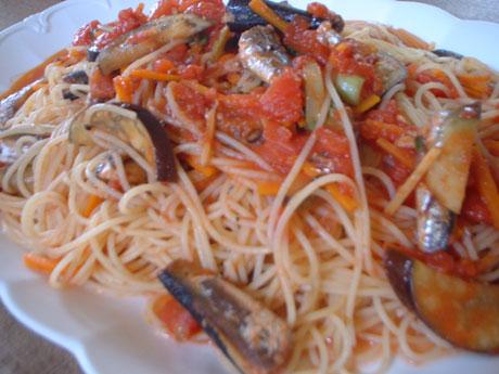 サーディンとナスのトマトソーススパゲティ