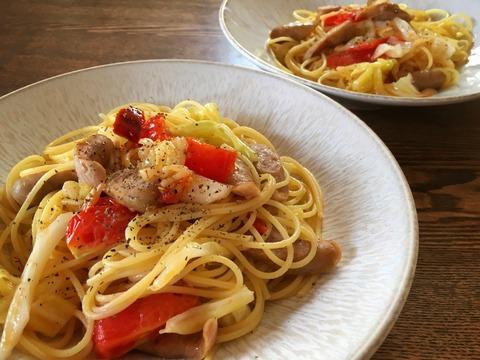ソーセージとキャベツ、ミディトマトのスパゲティ