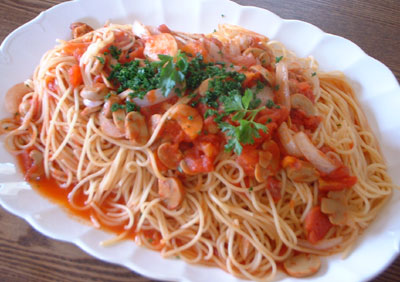 ベビーホタテのトマトソーススパゲティ