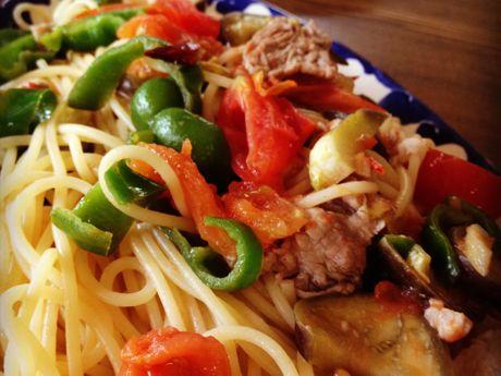豚肉と夏野菜のパスタ