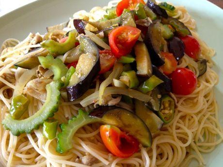 夏野菜と豚肉のカレーパスタ