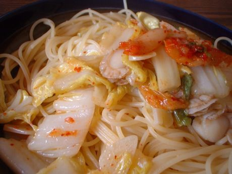 帆立と白菜のキムチパスタ