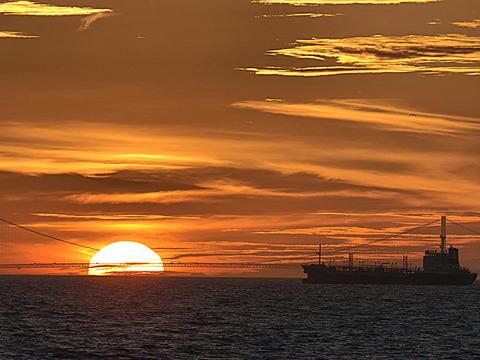 ⑪明石海峡大橋の夕暮れ