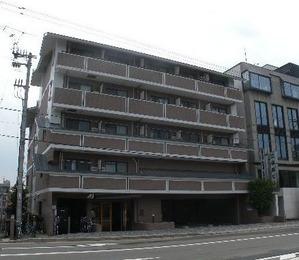 プレサンス京都二条城前 外観