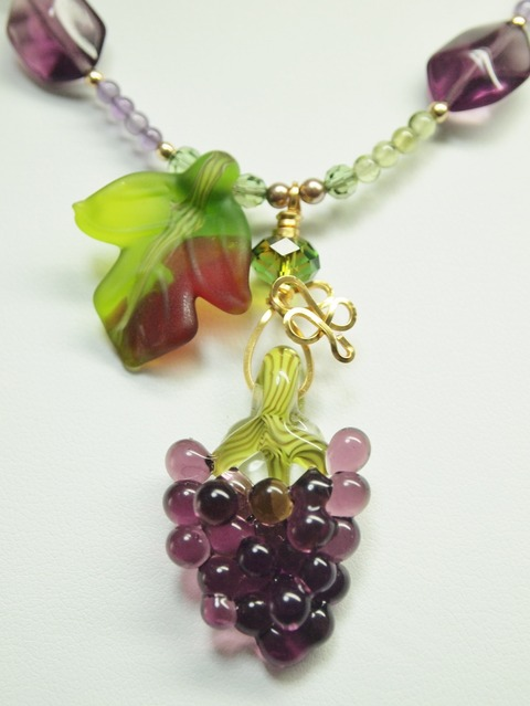 Grapes Necklace (962x1280)