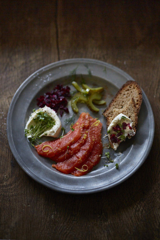 RS5174_Pickled SalmonMSC20178666-scr