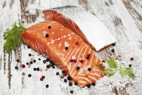 RS2796_Salmon_iStock_000055577154_Large-scr