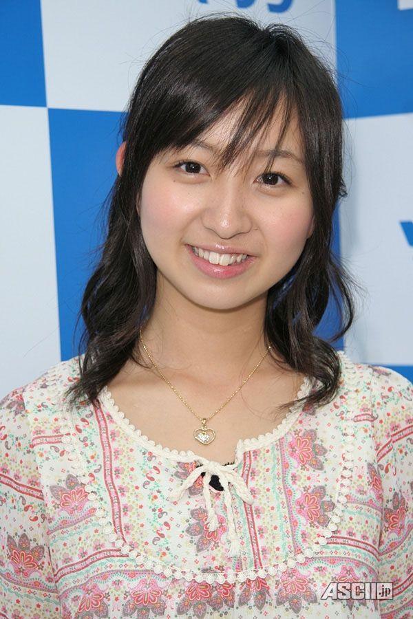 ジュニアアイドルだった飯田里穂が「ラブライブ!」の声優からメジャー ...