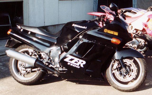 Kawasaki_ZZR_1100