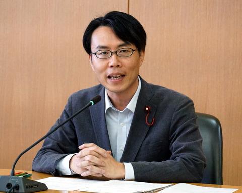 2018年9月議会・文教委員会議案外質問(松村)②