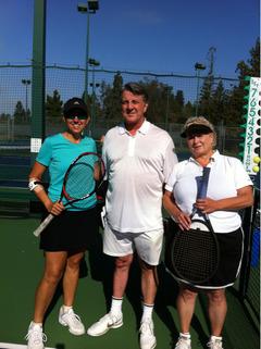 リサのテニス仲間