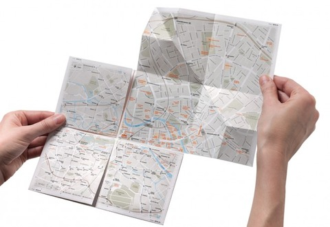 kickstarter-a-brilliant-paper-map-that-zooms-as-you-unfold-it1