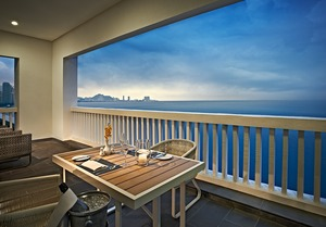 VA Corner Suite - balcony sunset