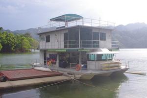 IMGP0354_royalbelumresortboathouse