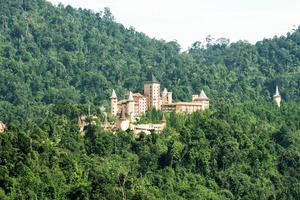 1 The Chateau