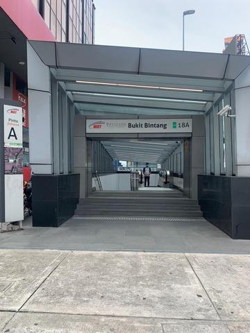 1 地下鉄ブキビンタン駅入り口