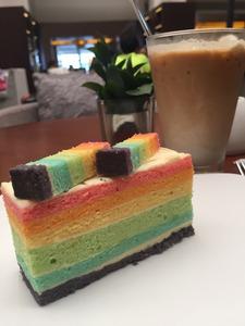 hyattkk_rainbow_cake2