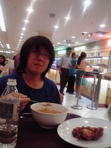 20120326-3 RM5の海老麺とRM3のアヤムゴレン