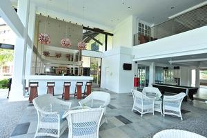 Lobby Bar2