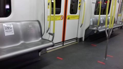 16 LRT車内