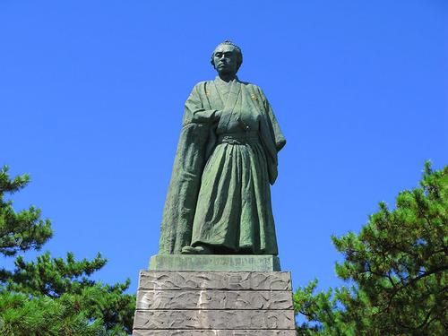 Kochi_Katsurahama_Sakamoto_Ryoma_Statue_2
