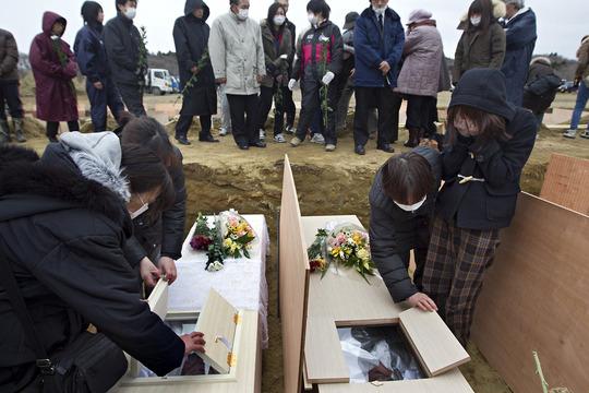 20110325_JAPAN-slide-TEVS-jumbo