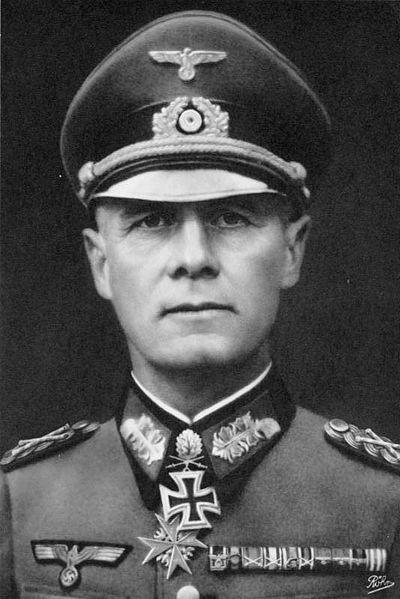 400px-Bundesarchiv_Bild_146-1985-013-07,_Erwin_Rommel