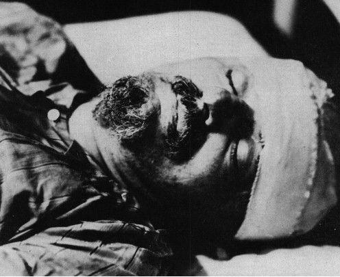 80814d1249623850-lenin-trotsky-stalin-dead-pics-trotsky-dead.jpg