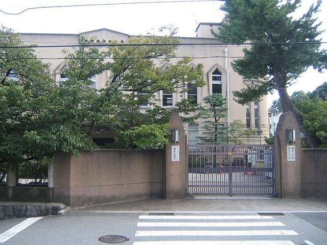 800px-NADA_Junior_and_Senior_High_School