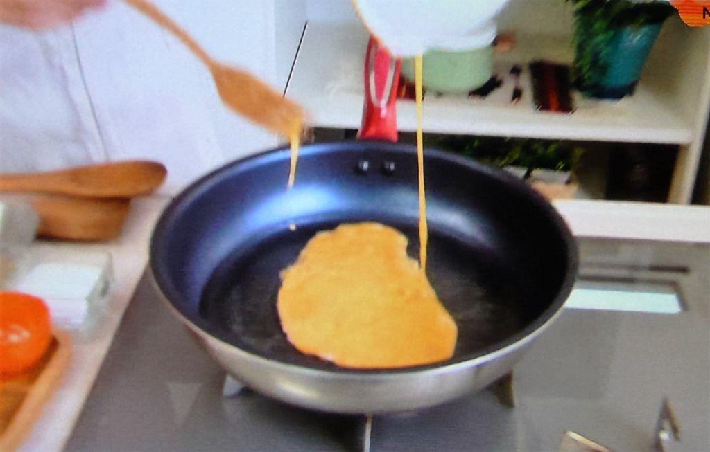 卵をふんわりと炒める
