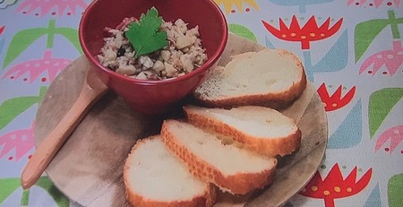 【しめじのガーリックトースト】レシピ