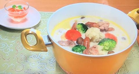 おびゴハン!【鶏肉と冬野菜のミルク鍋】レシピ