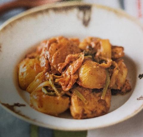 【カブと鶏肉のキムチ炒め】レシピ