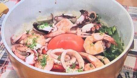 【魚介とトマトの炊き込みご飯】レシピ