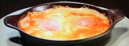 モッツアレラチーズとトマトの目玉焼き