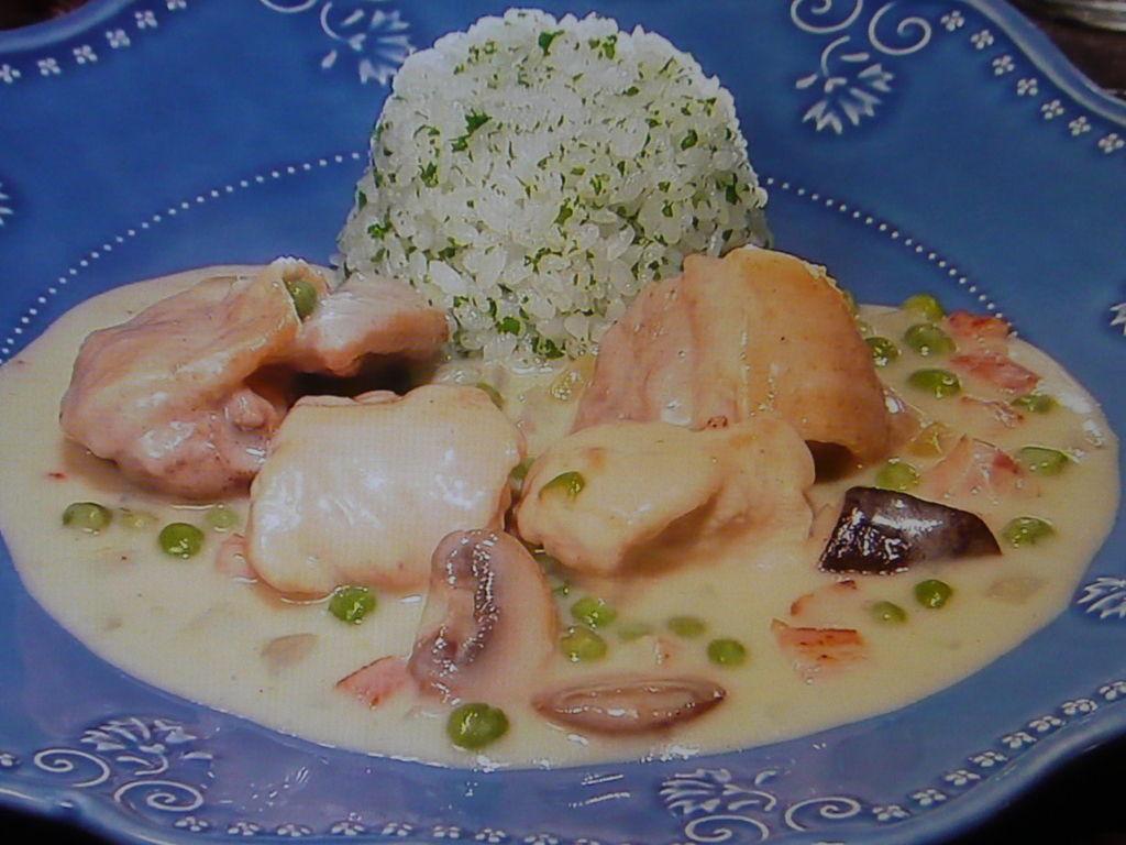 3分クッキング【鶏肉のクリーム煮】と【パセリライス】