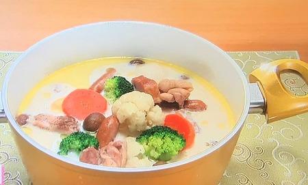 【鶏肉と冬野菜のミルク鍋】レシピ