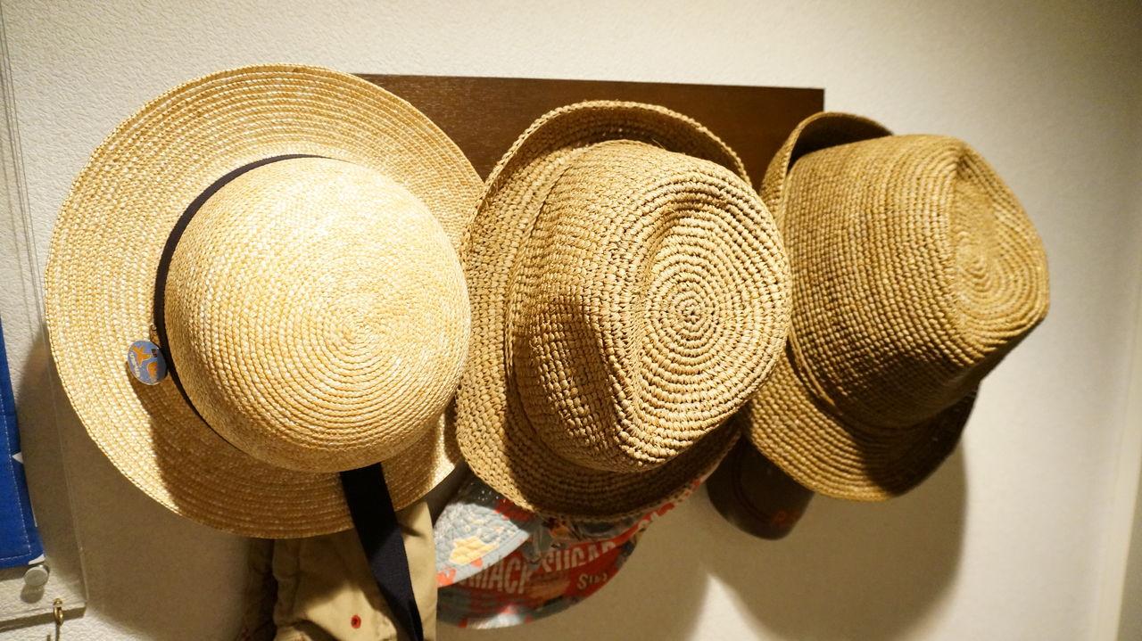 ... 言っていますが、まだ6月の梅雨時期なのに、天気の時は日差しが厳しいですねぇ。 さて、今回はそんな日差しの厳しい季節に必須のアイテム、日よけの帽子 です。